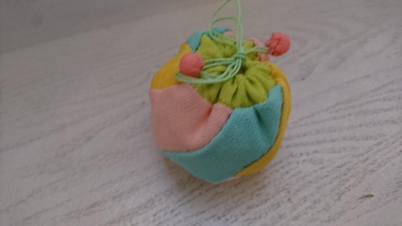 <お細工物教室>可愛い小さな巾着袋が出来ました!