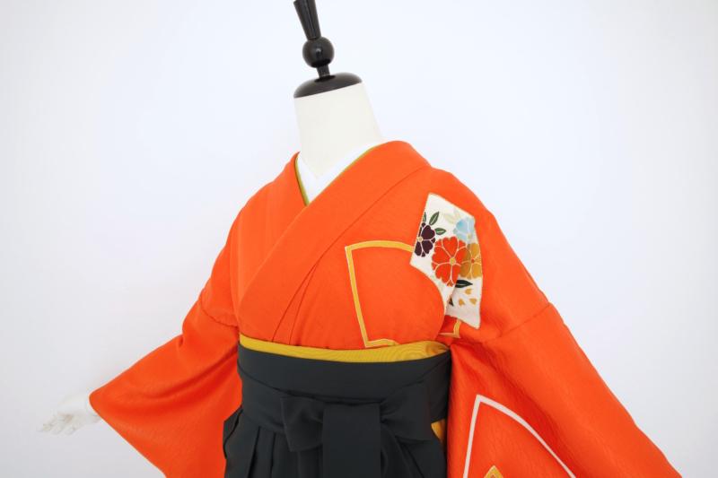 オレンジ扇面訪問着に袴 卒業式