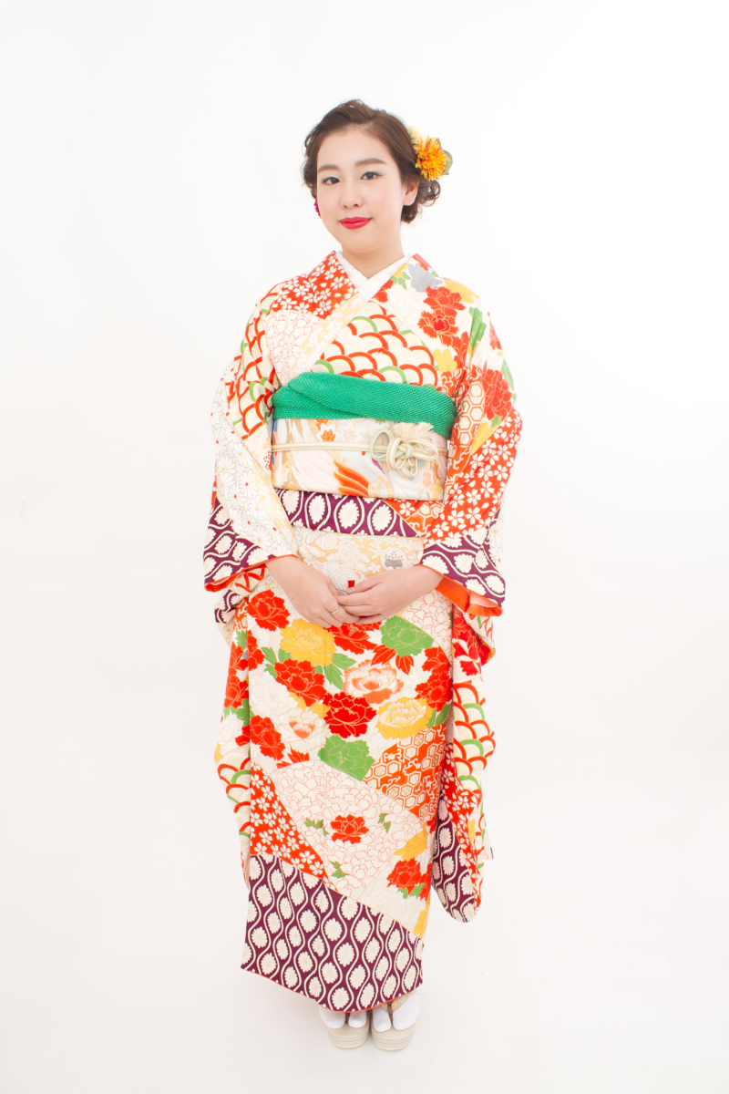 青海波に刺繍牡丹と立涌に桜