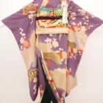 引き振袖 紫地 松梅模様