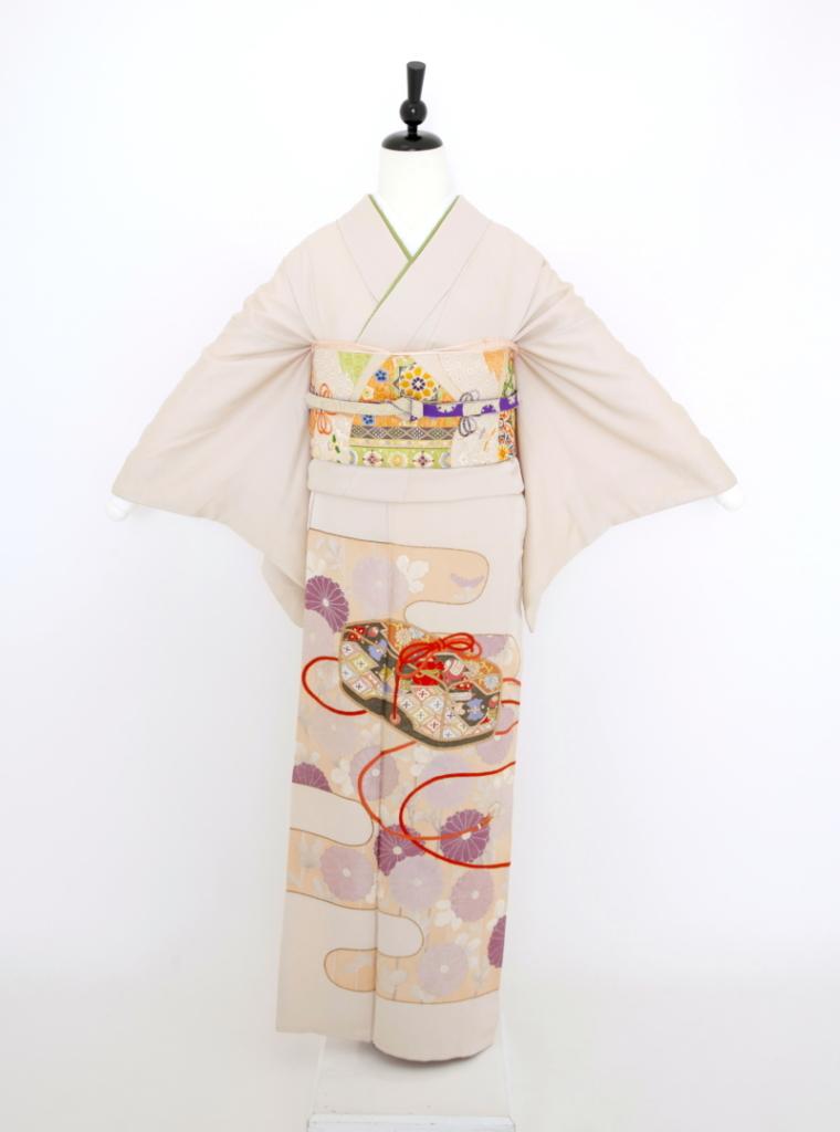薄紫菊刺繍(刺繍一つ紋)色留袖