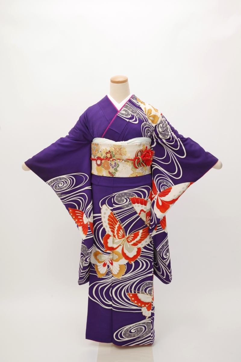 紫地流水と蝶振袖