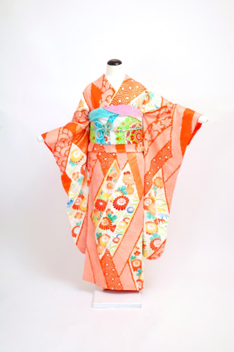オレンジ絞りに刺繍振袖
