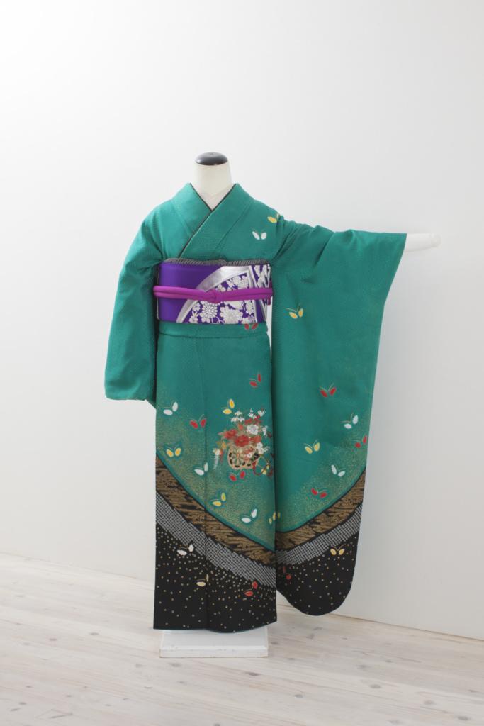 緑地花蝶に裾ぼかし振袖