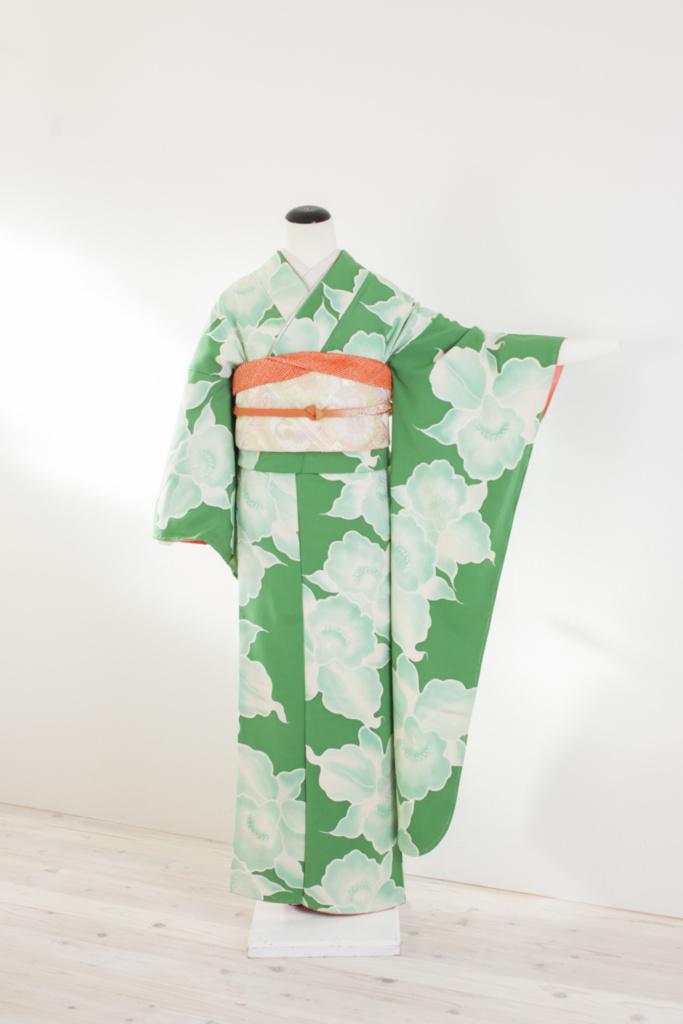緑地白花小紋柄振袖