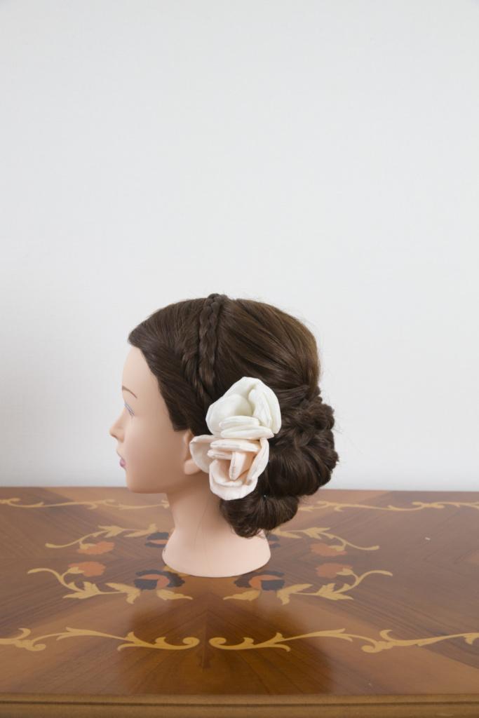 髪飾り・白ピンク花