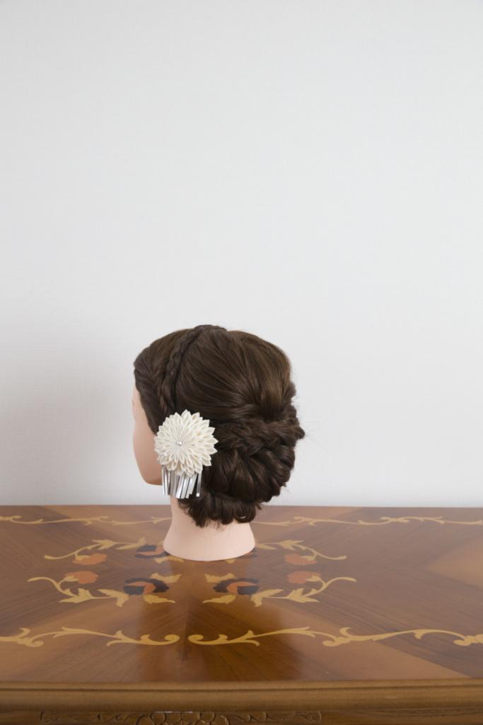 つまみ細工髪飾り・白花