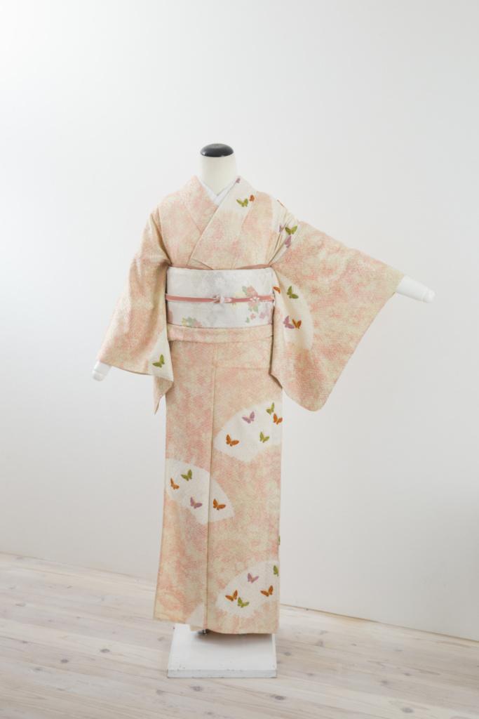 ピンク地蝶々刺繍単衣訪問着