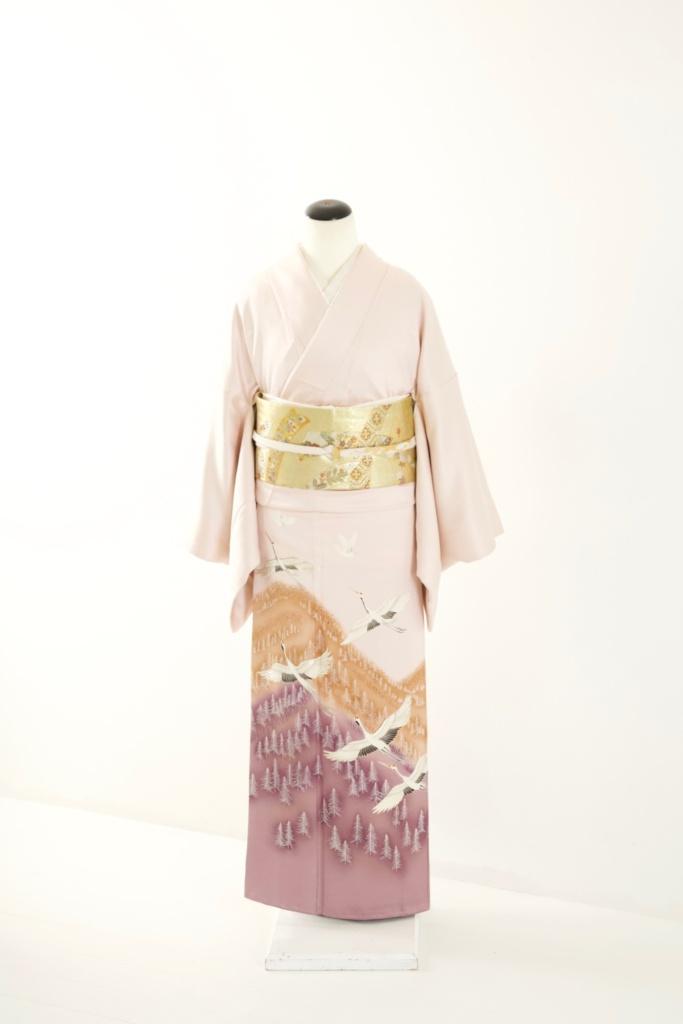 薄ピンク鶴色留袖