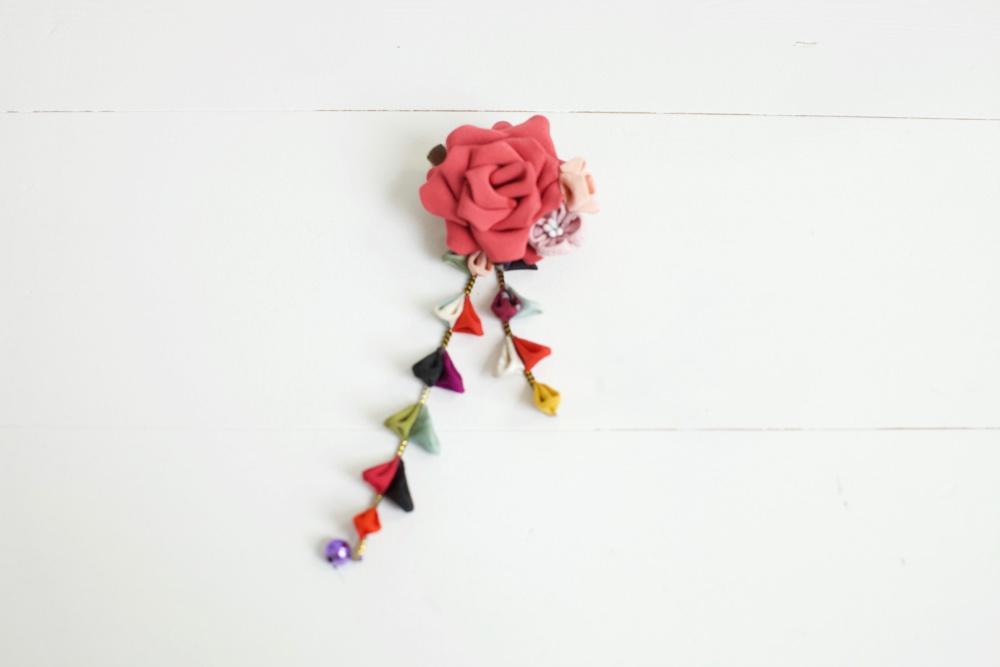 つまみ細工髪飾り・ピンクバラ